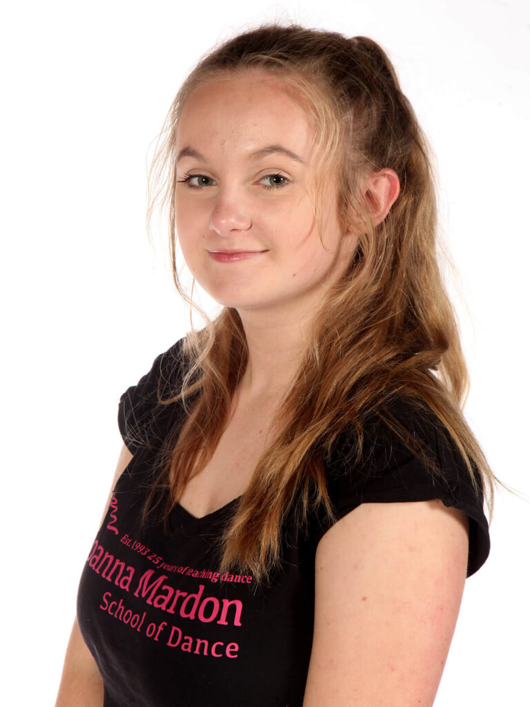 Darcy Skinner - Junior Ballet Assistant Joanna Mardon School of Dance