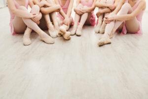 Joanna Mardon School of Dance Exeter Ballerinas on tip toe
