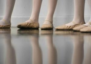 Joanna Mardon School of Dance Exeter Ballerinas in dance studio