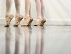 Joanna Mardon School of Dance Exeter Ballerinas on tip toe