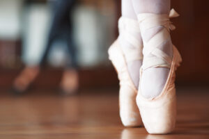 Joanna Mardon School of Dance Exeter Ballet shoes on pointe